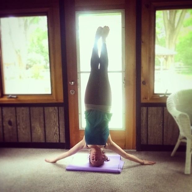 Mukta Hasta Sirsasana C, Unsupported Headstand